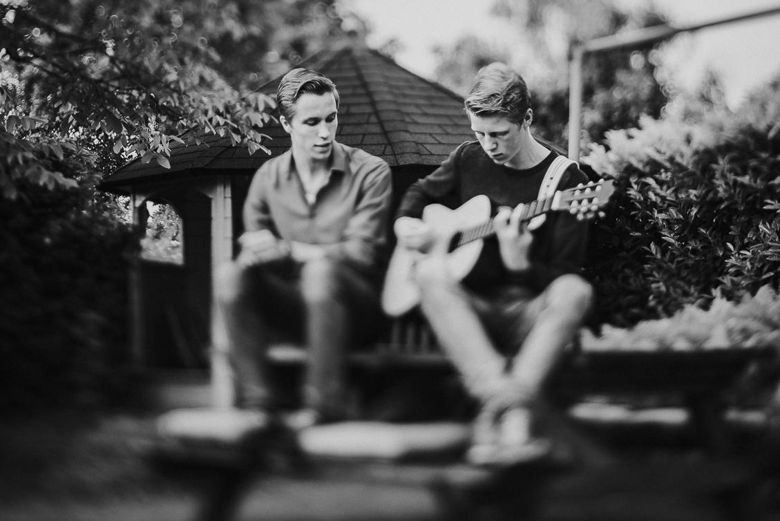 broers op gitaar