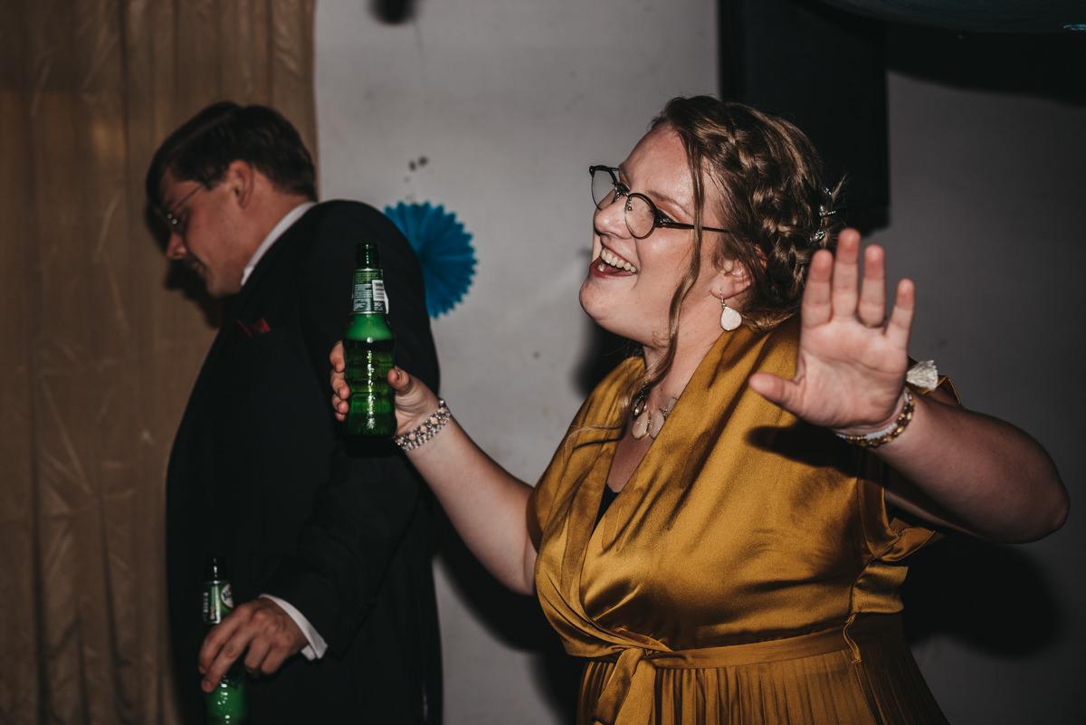dansen tijdens het feest